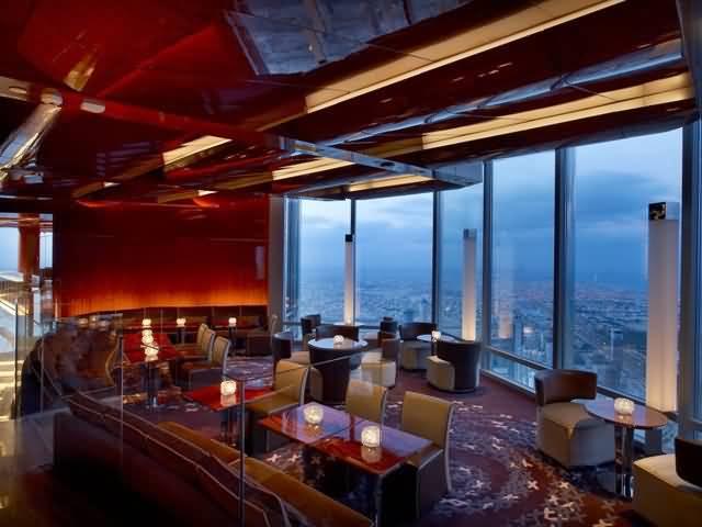 صورة لمطعم أتموسفير At.mosphere من الداخل
