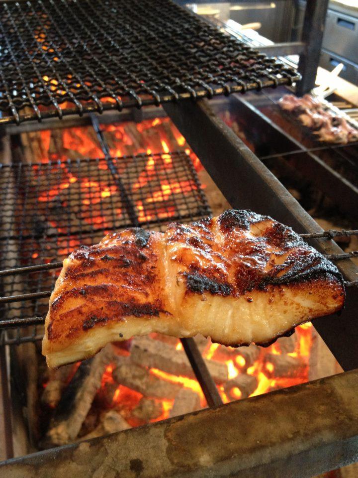 يقدم مطعم زوما أفضل الأطباق التي تشتهر بها اليابان في دبي، بفرع للمطعم يعد هو الرابع في العالم بعد لندن وهونغ كونغ واسطنبول.