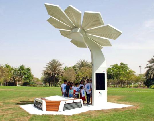 أين تقع النخلات الذكية في دبي ؟