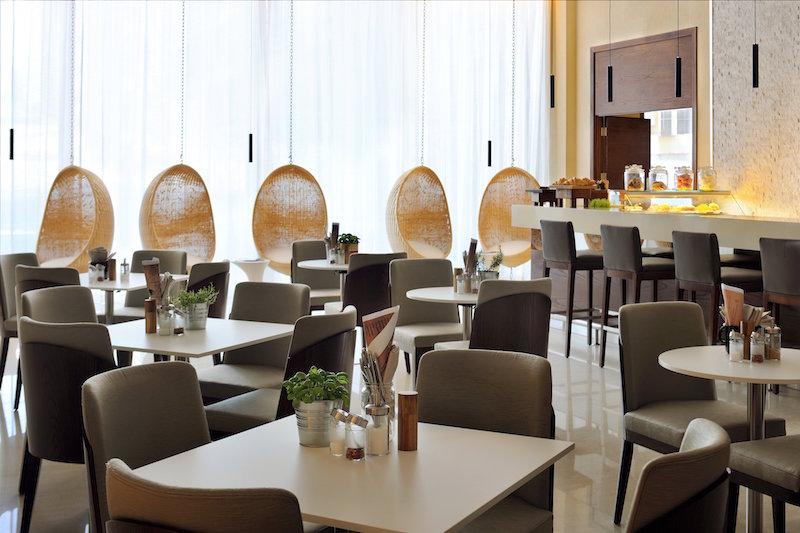 Fifth Street Cafe_Courtyard by Marriott World Trade Center, Abu Dhabi (1)