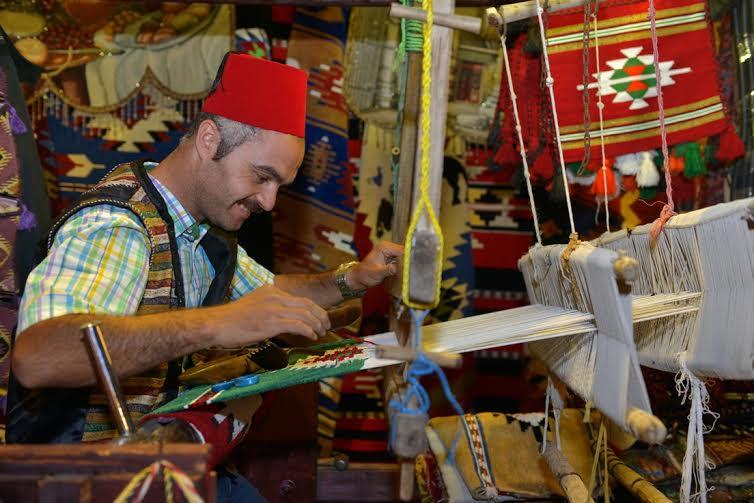 القرية العالمية متحف عالمي لإبداعات الفنون اليدوية