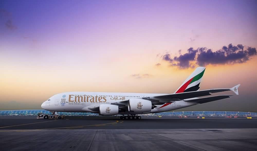 بالفيديو .. جولة داخل إحدى أفخم طائرات طيران الإمارات