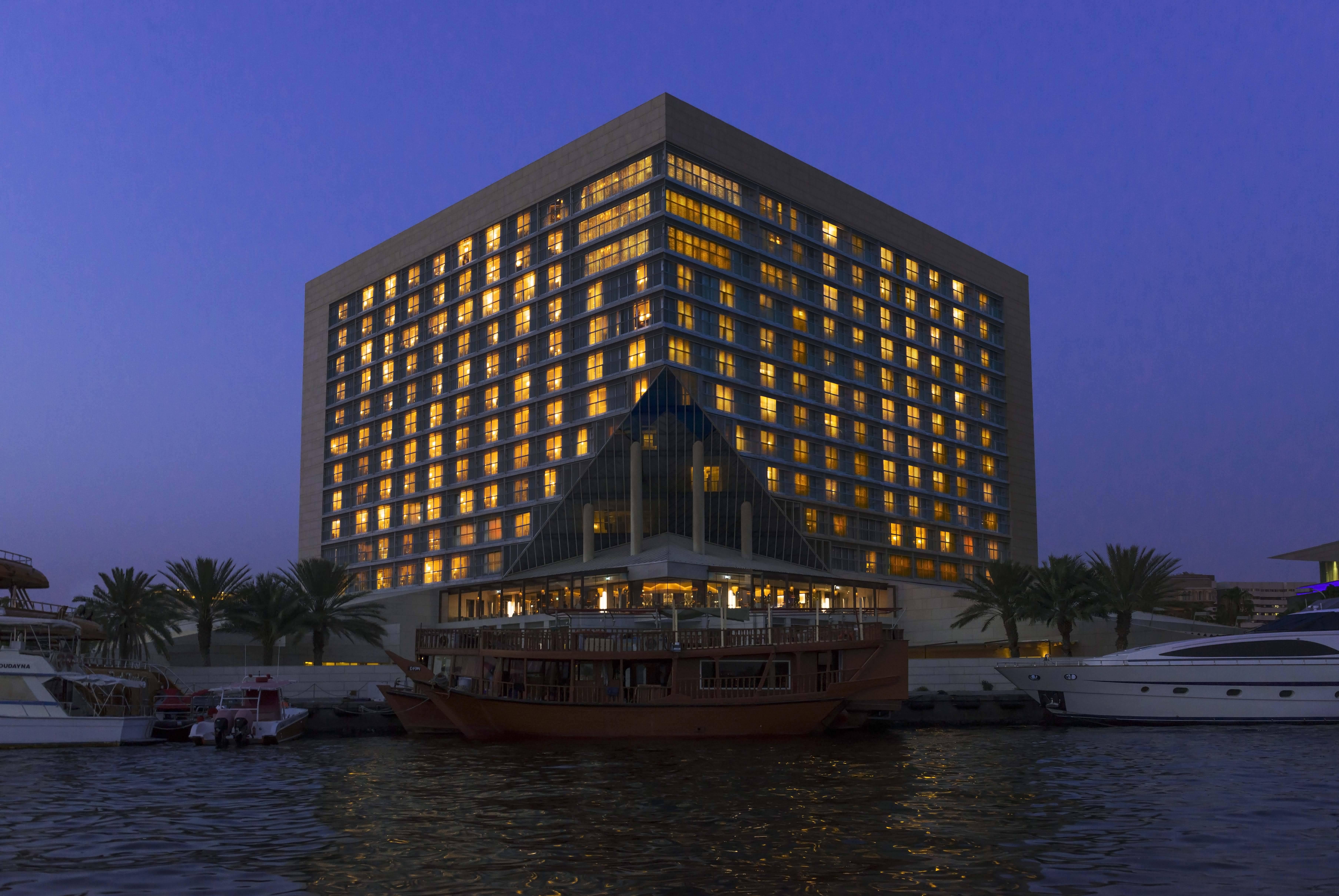 عروض فندق وأبراج شيراتون خور دبي لشهر رمضان 2016