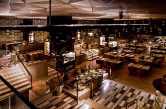 مطعم بلاي للمأكولات العالمية في دبي