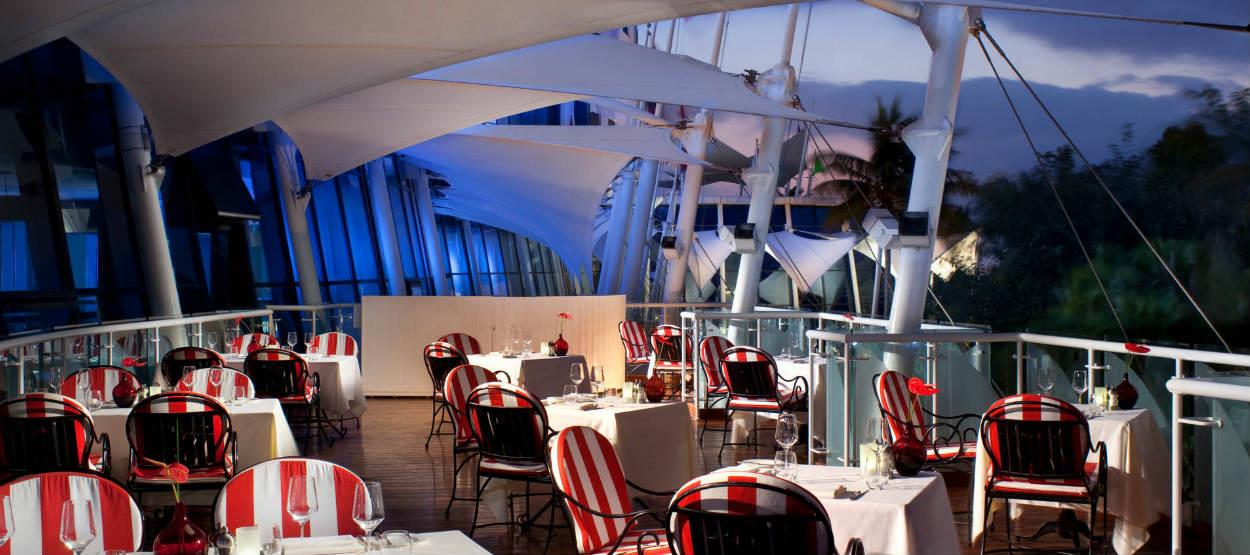 jumeirah-beach-hotel-carnevale-outdoor-terrace-area-hero