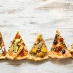 """مطعم كارلوتشيوز يقدم تشكيلة بيتزا """"أموري"""""""