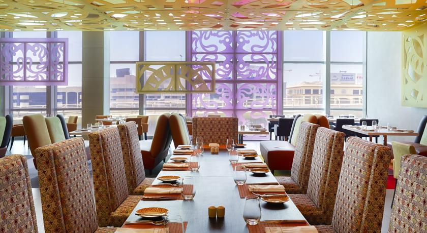 نظرة على فندق سوفيتيل داون تاون دبي