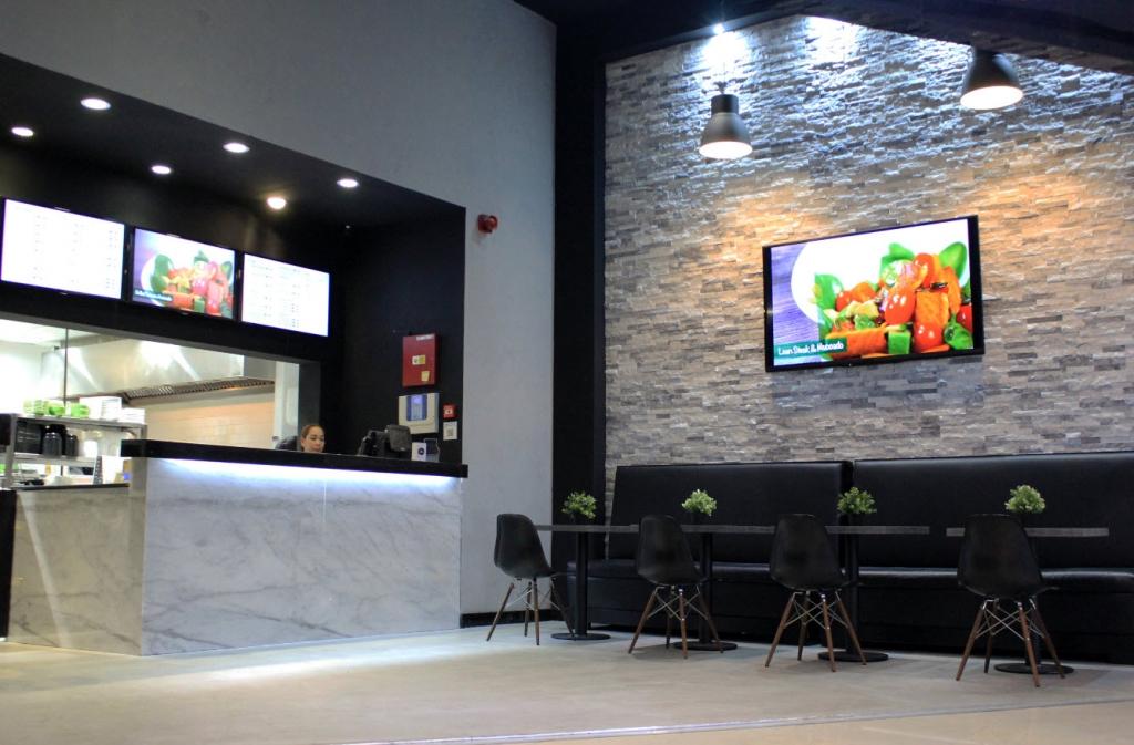 مطعم أندر 500 يفتتح أبوابه برج مارينا سكيب