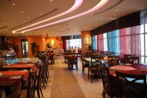 مطعم كريمز يطلق بوفيه برياني من جميع أنحاء العالم