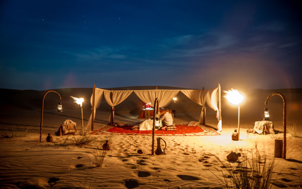 بالفيديو تجربة التخييم في محمية دبي الصحراوية